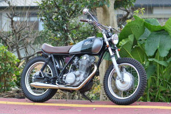 Yamaha SR400スクランブラーカスタム