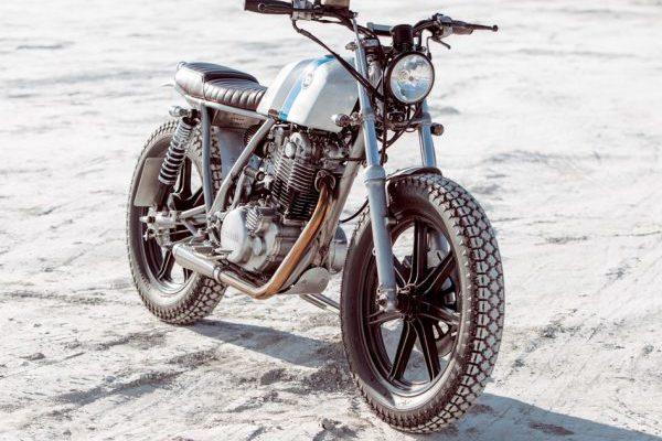 Yamaha SR500 スクランブラーカスタム