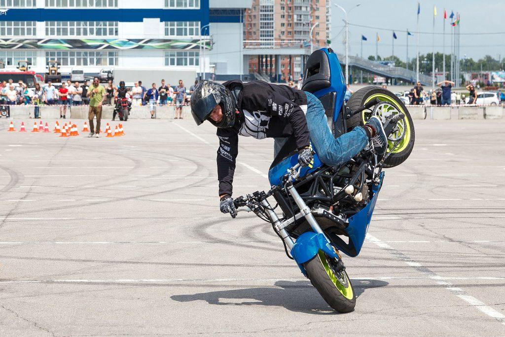 biker-3939225_1920