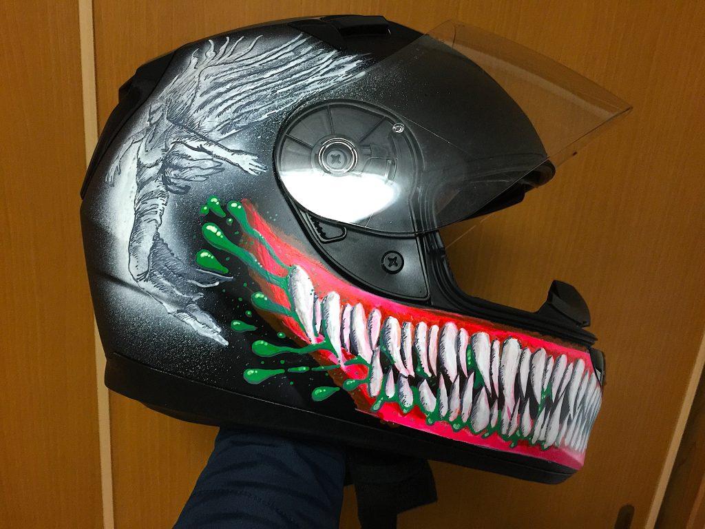 仕上がったお絵描き済みヘルメット①